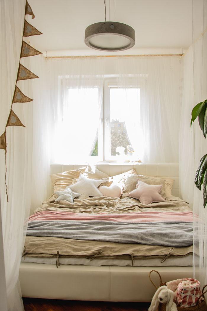 baldachim w sypialni