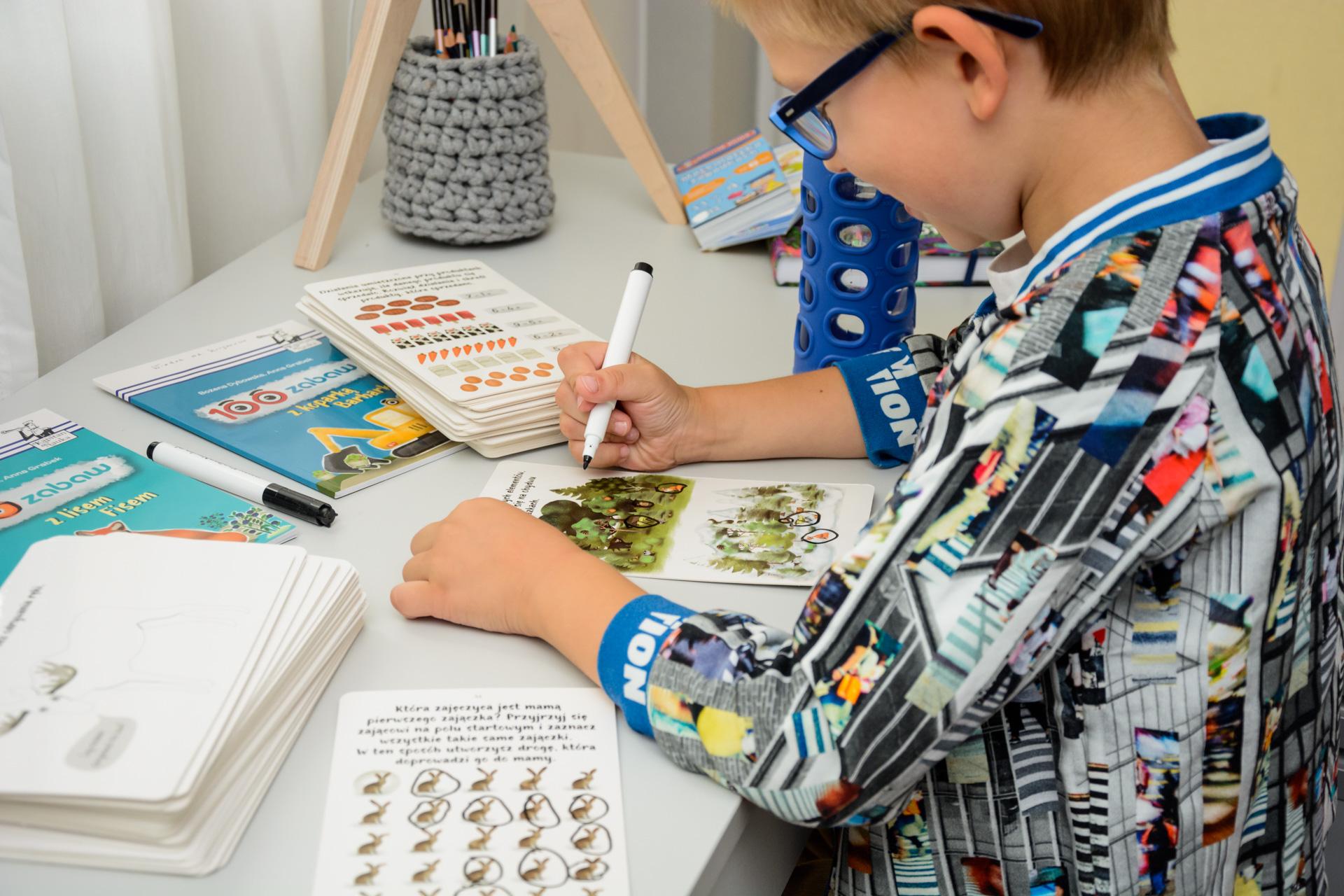 pomoce dla sześciolatka - jak pomóc dziecku w nauce
