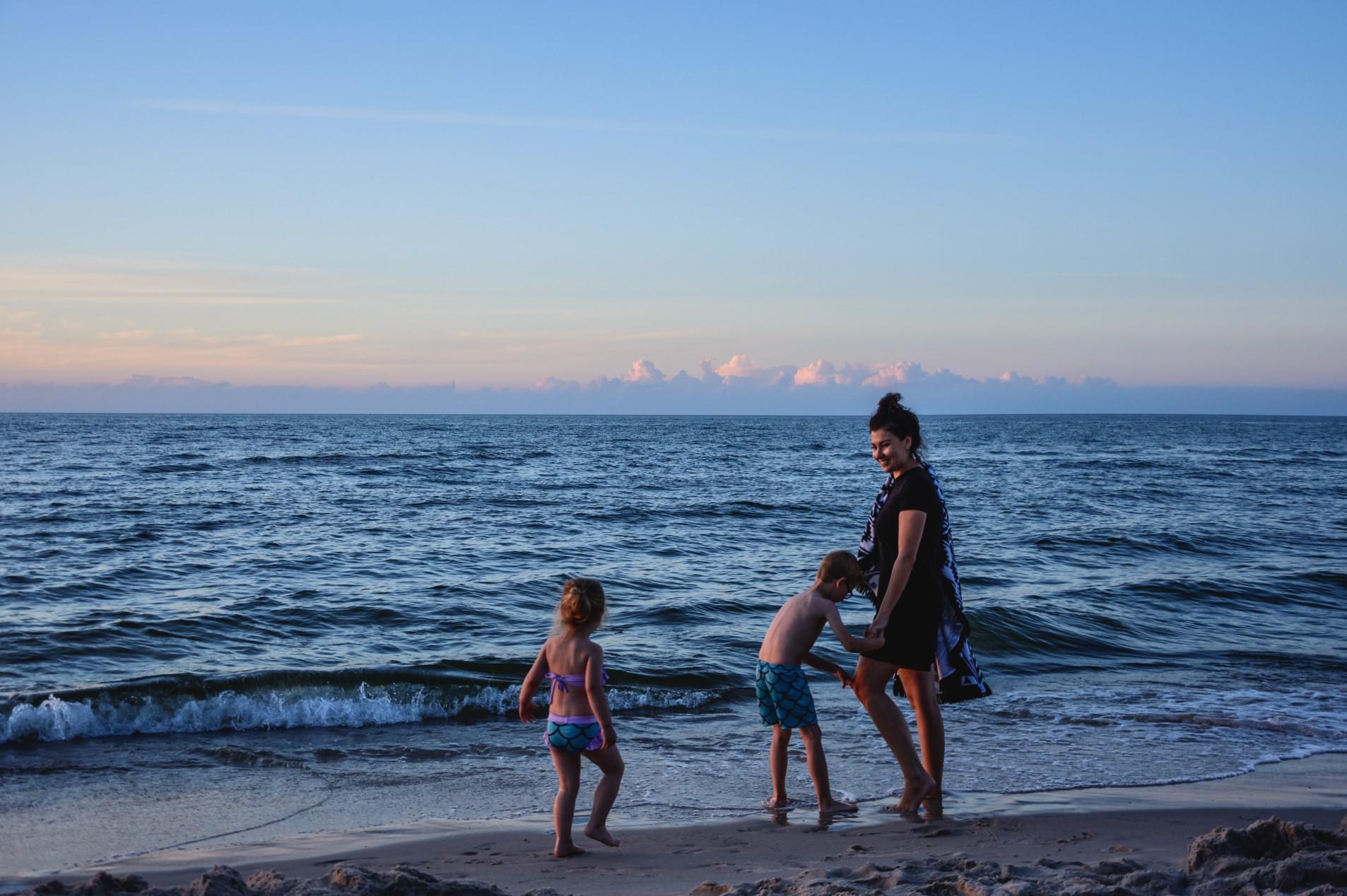 plaża z dziećmi - wakacje z dziećmi