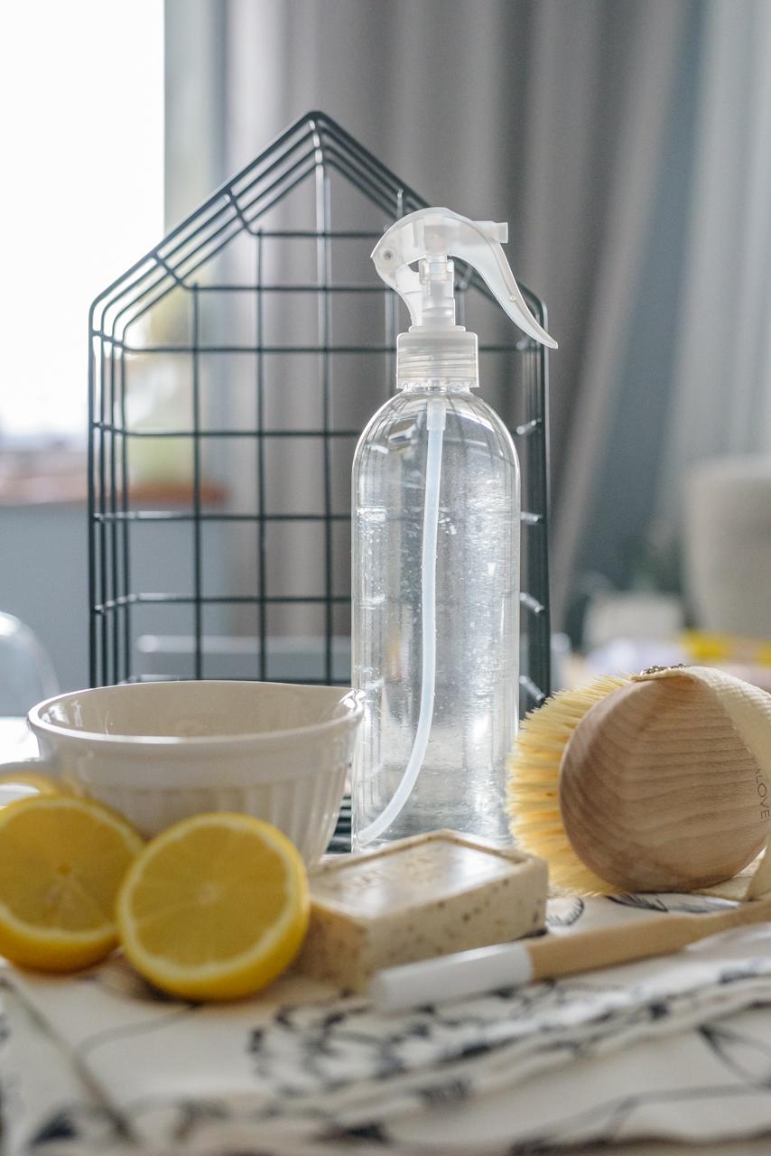 Zrób sam płyn do mycia szyb, ekosprzątanie