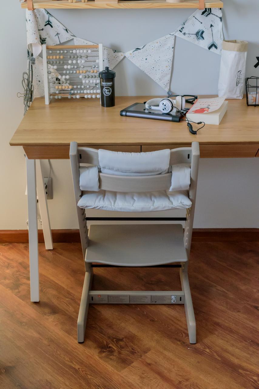 tripp trapp, postawa dziecka przy biurku