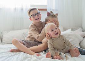 Troje dzieci. Wiecej pracy niż pożytku.