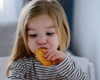 Małe rączki, kruche ciasteczka i jeden bardzo uzależniający składnik – na śniadanie!